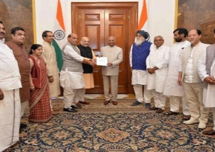 NDA delegation meets Kovind, submits letter to re-elect PM Modi