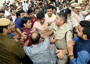 Amantullah Khan threatened me to shoot at spot, says Manoj Tiwari