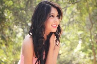 Serial Aur Cinema: Actress Niti Taylor shares her Chocolate Day plans