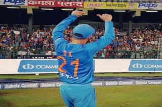 Stadium: Is Dinesh Karthik ready to replace MS Dhoni as match finisher?