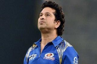 Stadium: Sachin Tendulkar urges Nitin Gadkari to take action against fake helmet manufacturers