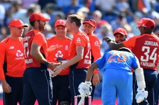Stadium: England beat India by five wickets to level series