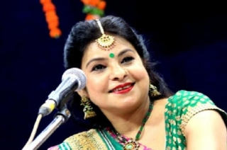 Listen to Maalini Awasthi play and sing a beautiful monsoon song