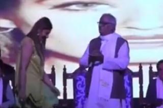 TMC MP Saugata Roy shake a leg with Bollywood actress Raveena Tondon