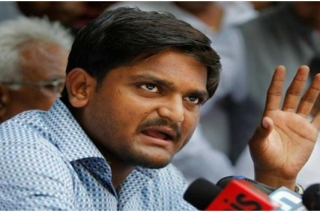 Congress leader Hardik Patel slapped in Gujarat's Surendranagar