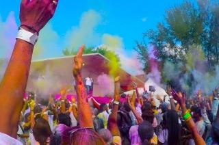 Watch Video: Gorakhpur Police violates MCC during Holi festival