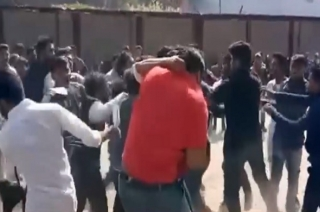 Chhattisgarh: Chaos erupts between two groups of student in Korba