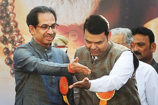 Maha Opinion Poll: BJP-Sena to lose seats, Cong-NCP may improve tally