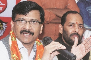 PM Modi should learn from Indira Gandhi: Sanjay Raut on Pulwama attack