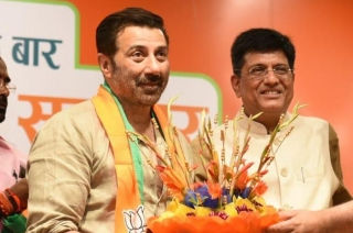 Chai Garam: Sunny Deol joins BJP, likely to be fielded from Gurdaspur