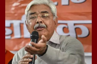 VHP leader Alok Kumar offers support to Congress over Ram temple issue