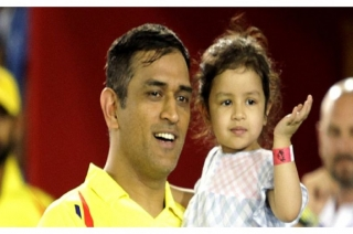 MS Dhoni asks Ziva 'How are you' in five different languages