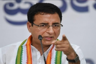 Cong targets EC, says it is lending indirect support to PM's rallies