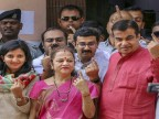Lok Sabha Elections 2019:  Political bigwigs who cast their votes in first phase