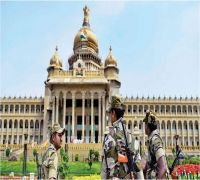 Supreme Court permits Karnataka rebel MLAs to meet Speaker at 6 pm to submit resignations
